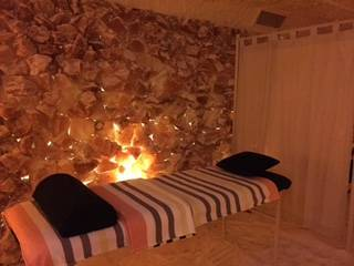 Relaxation Massages and Reiki and Bowen Therapy in the Salt Cave